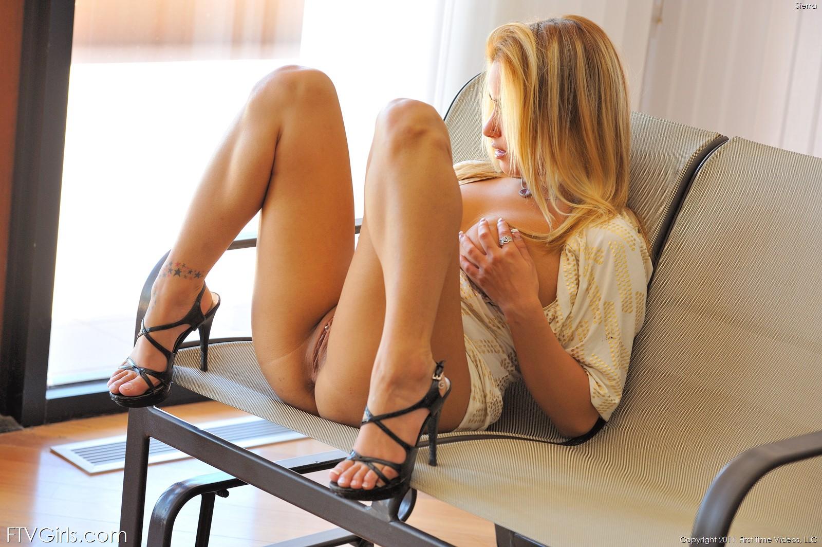 Секс с блондинкой в салоне красоты 2 фотография